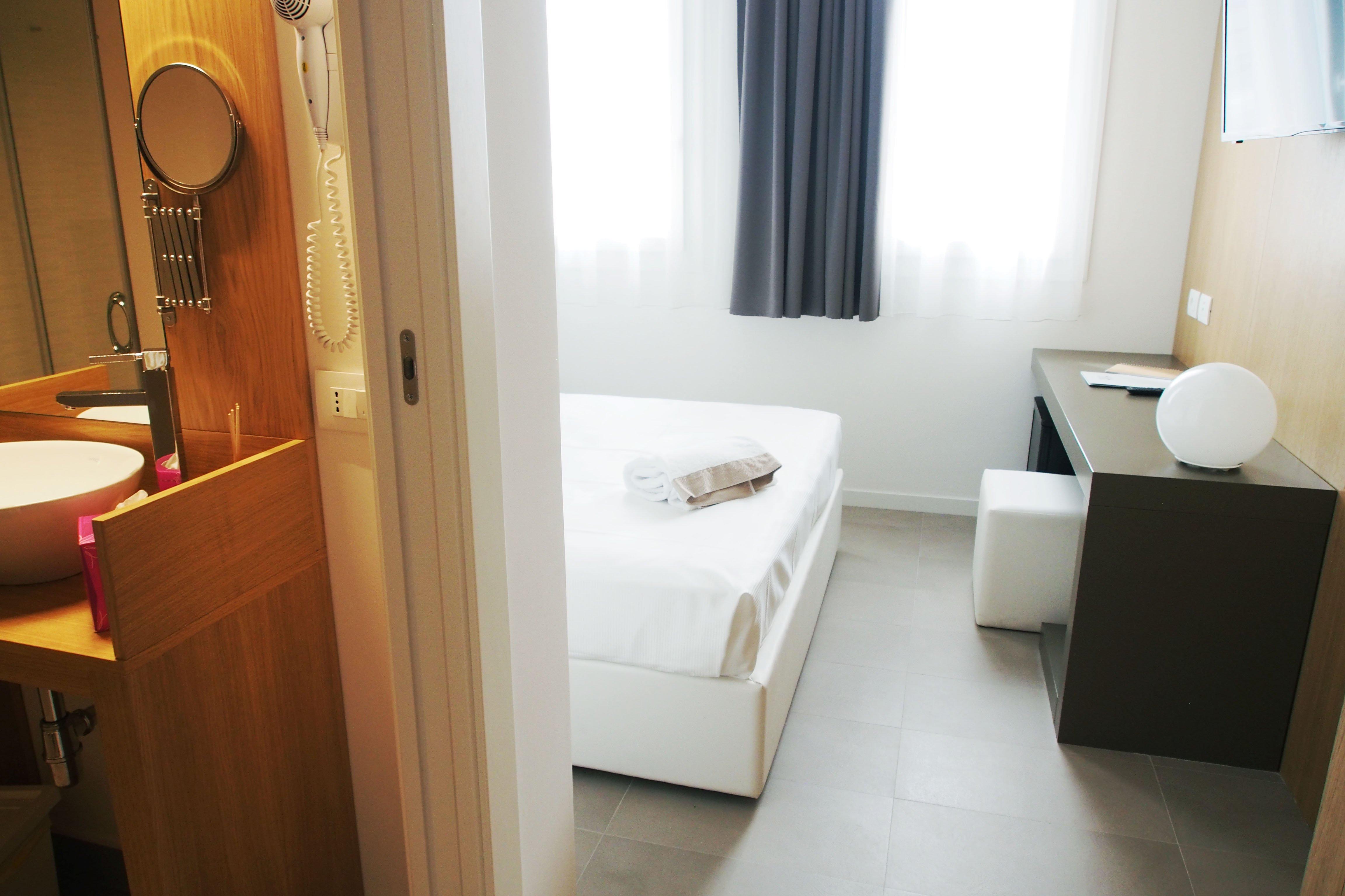 Suites sicilia hotel spa bagno in camera wifi aria - Bagno in camera ...